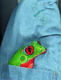 embroidered-tree-frog1